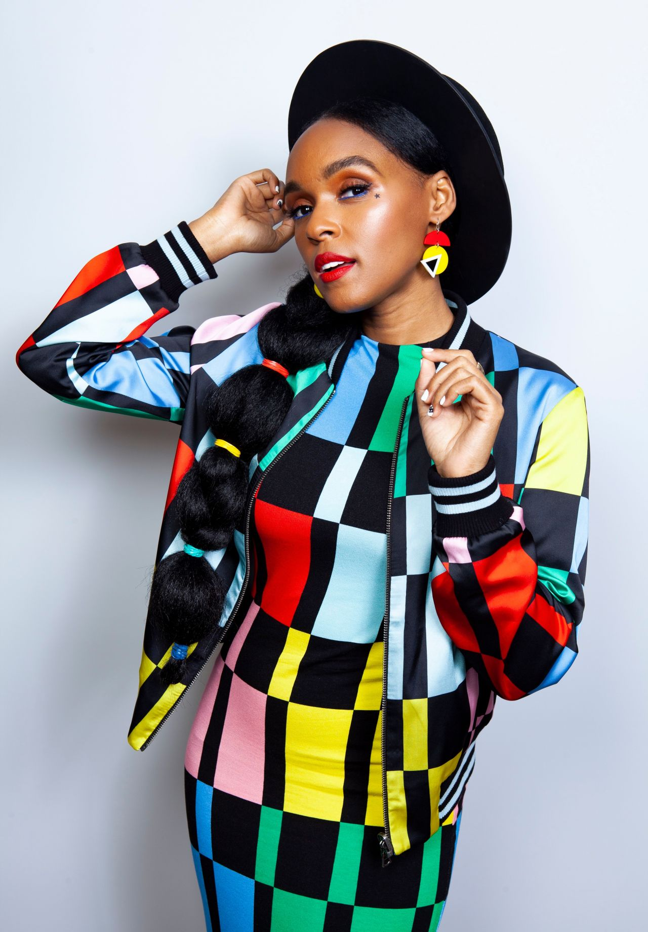 """- Janelle Monae's Dirty Computer is still in heavy rotation. I've liked her when she first burst on the scene with Big Boi's """"Purple Ribbon"""" Crew. I loved her approach to the industry by having her own signature look in the Black & White"""" rocking a pompadour. Janelle tackles more social issues as she always has on previous projects. The first single off Dirty Computer """"Make Me Feel"""" got my attention instantly. It reminds me of Prince's """"Kiss""""!! My other favorite tracks are """"Django Jane"""", """"I Like That"""" & """"I Got The Juice"""" featuring the producing genius Pharrell Williams. Janelle is currently on tour overseas."""