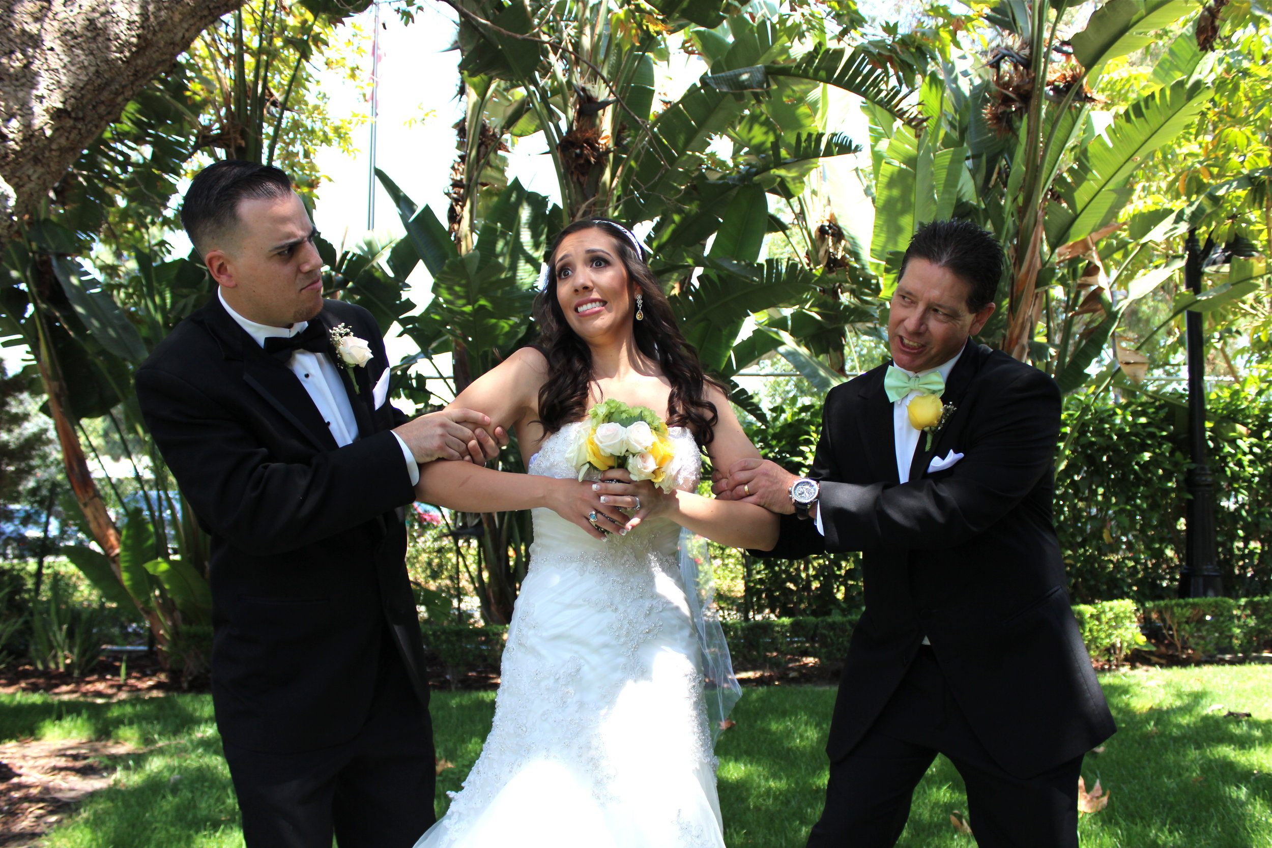 groomstealsbridefromfatherparamountwedding