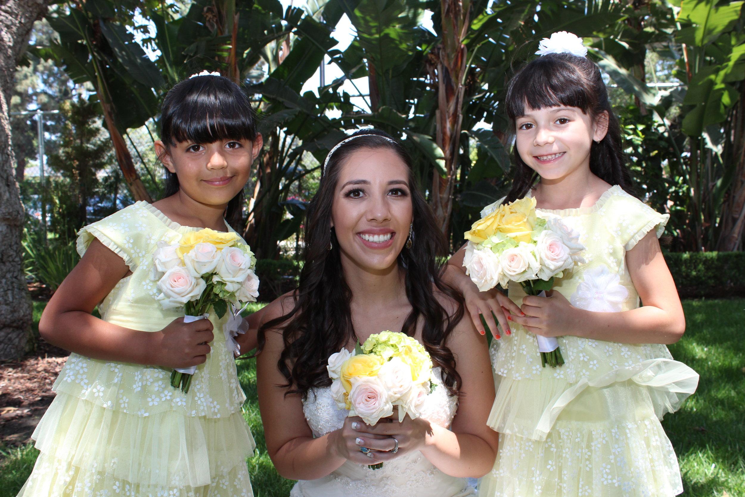 brideandherflowergirlsatprogressparkwestwedding