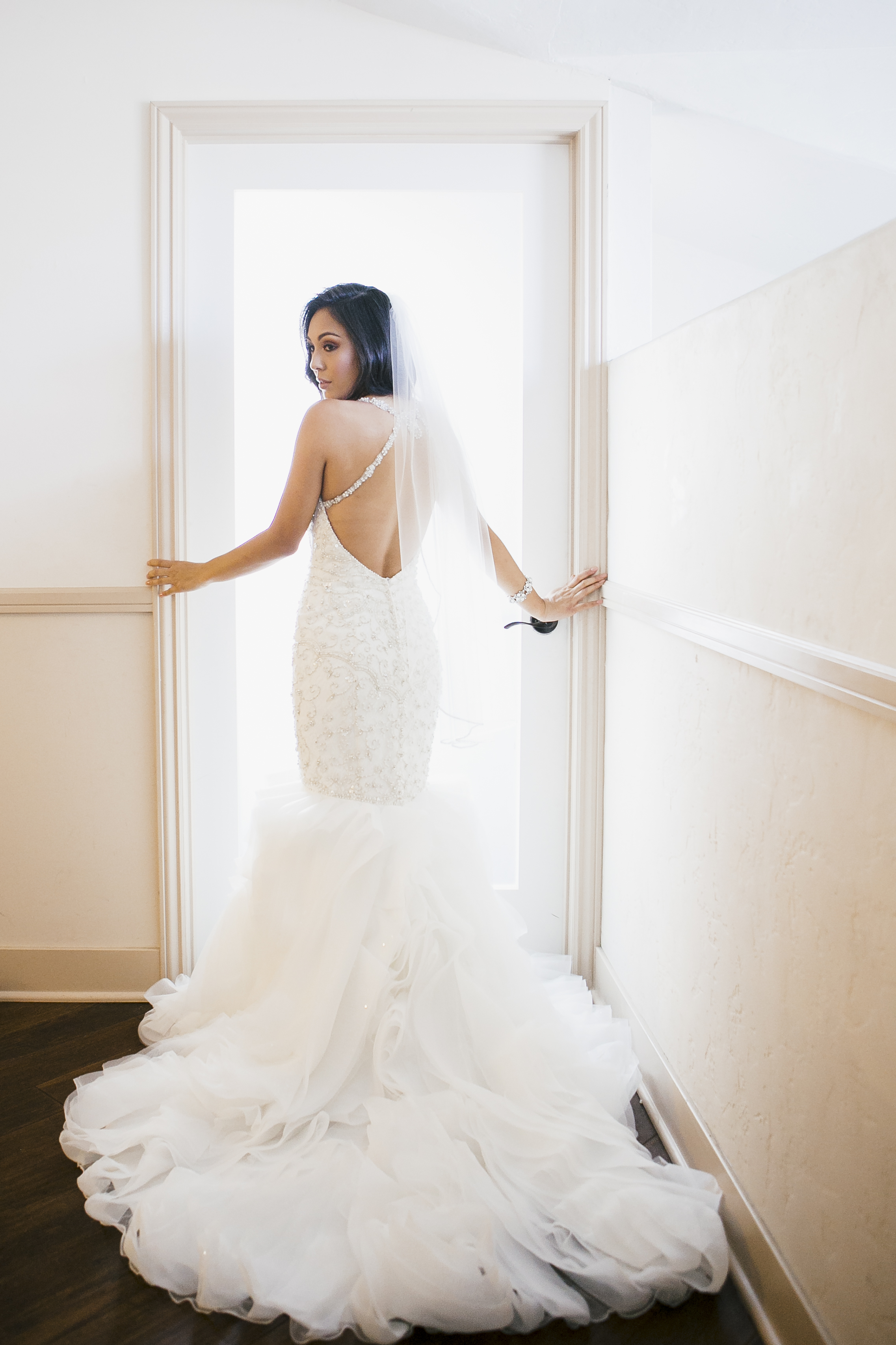 glamorous bride on her wedding day