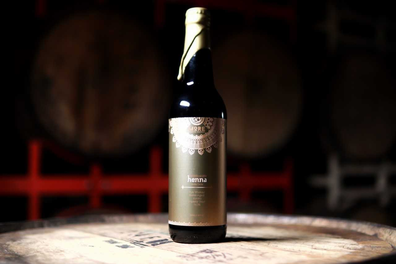 Barrel-Aged Henna: Vanilla Caviar (2018) - Released: 5/18/201814.3% ABVImperial Stout aged in a blend of Rye Whiskey barrels with Mexican and Madagascar Vanilla Beans added.