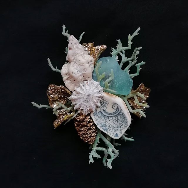 Tuesday's treasure 🐚✨ These 'Sacred Sea' brooches can be made to order, in colours of your choice. Lovingly made using findings from local beaches 🌊