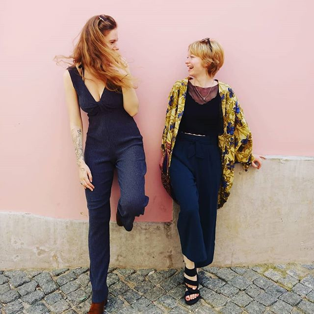 Giggles with this gorgeous girl @madlynsmyth in Lisbon 🖤 captured by the beautiful @katebeancreative 💗 thanks for all the amazing photos Kate, can't wait to share them! 😍 Loving all the pink walls in this pretty city - The perfect backdrop for outfits 👌🏼 I'm wearing @hot_knickers_lingerie cami, scarf top by me, @onthevergeonline kimono, second hand @zara trousers; bought from a street market, earrings by @pandan.atelier from @lxfactory, shoes from @eccoshoes and the little shell on my necklace was a gift from my darling sis @libbysloom 🐚