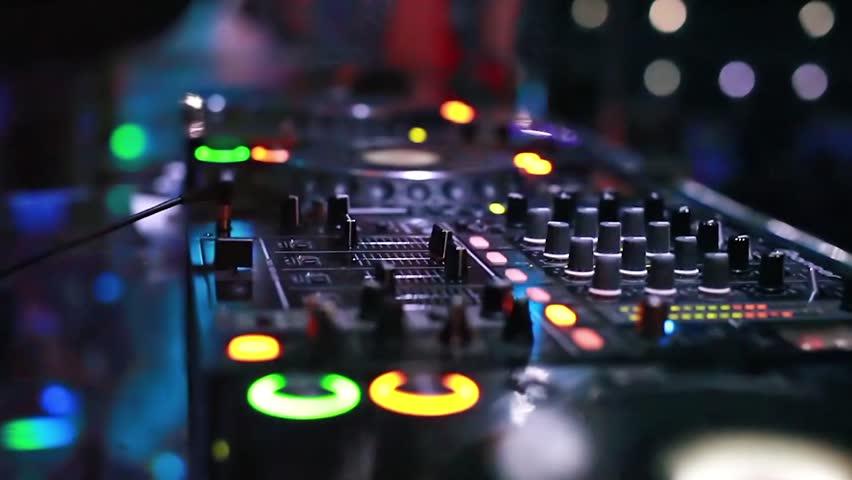 LIVE DJ - open format / mixing / emcee