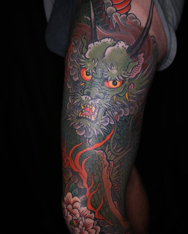 Dragon leg mostly healed. Thanks boof! @daggerandlark