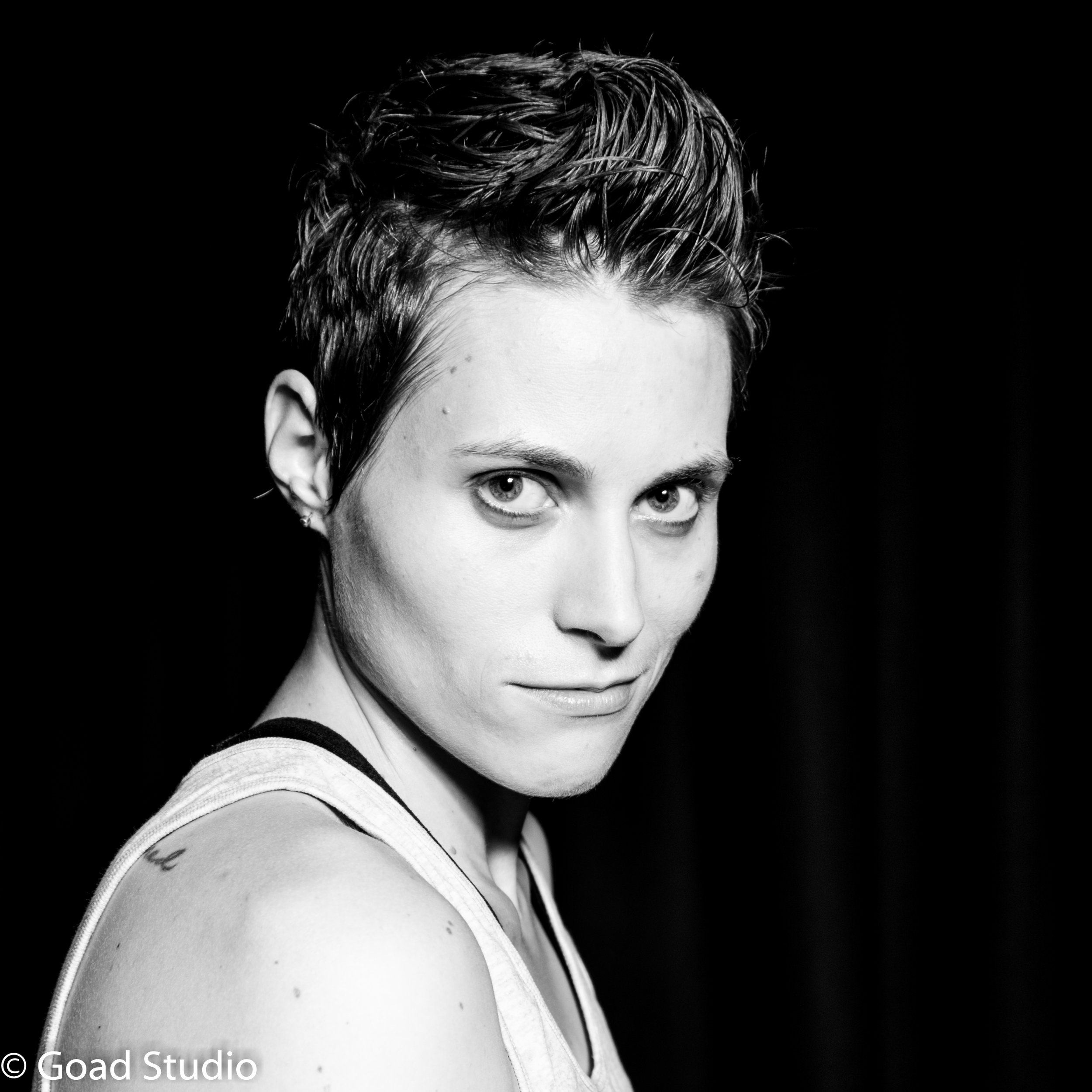 Mx. Ren Lunicke - is a trans non-binary/genderqueer* performer.Although their humble roots stretch into the great bio-region of Cascadia straddling Canada and the US, they are based in New Zealand and perform internationally. Ren's highly energetic and raw autobiographical solo plays and comedy mine personal experience, sub-pop-culture, politics, psychology, philosophy, and spirituality to connect audiences to themselves, the