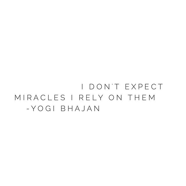 'I don't expect miracles, I rely on them' Yogi Bhajan ✨Some morning inspiration for you..may you notice the miracles of your day ✨ #spiritmama #byronlife #expectmiracles
