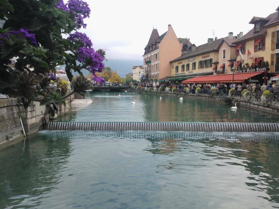 annecy-by-the-lake.jpg