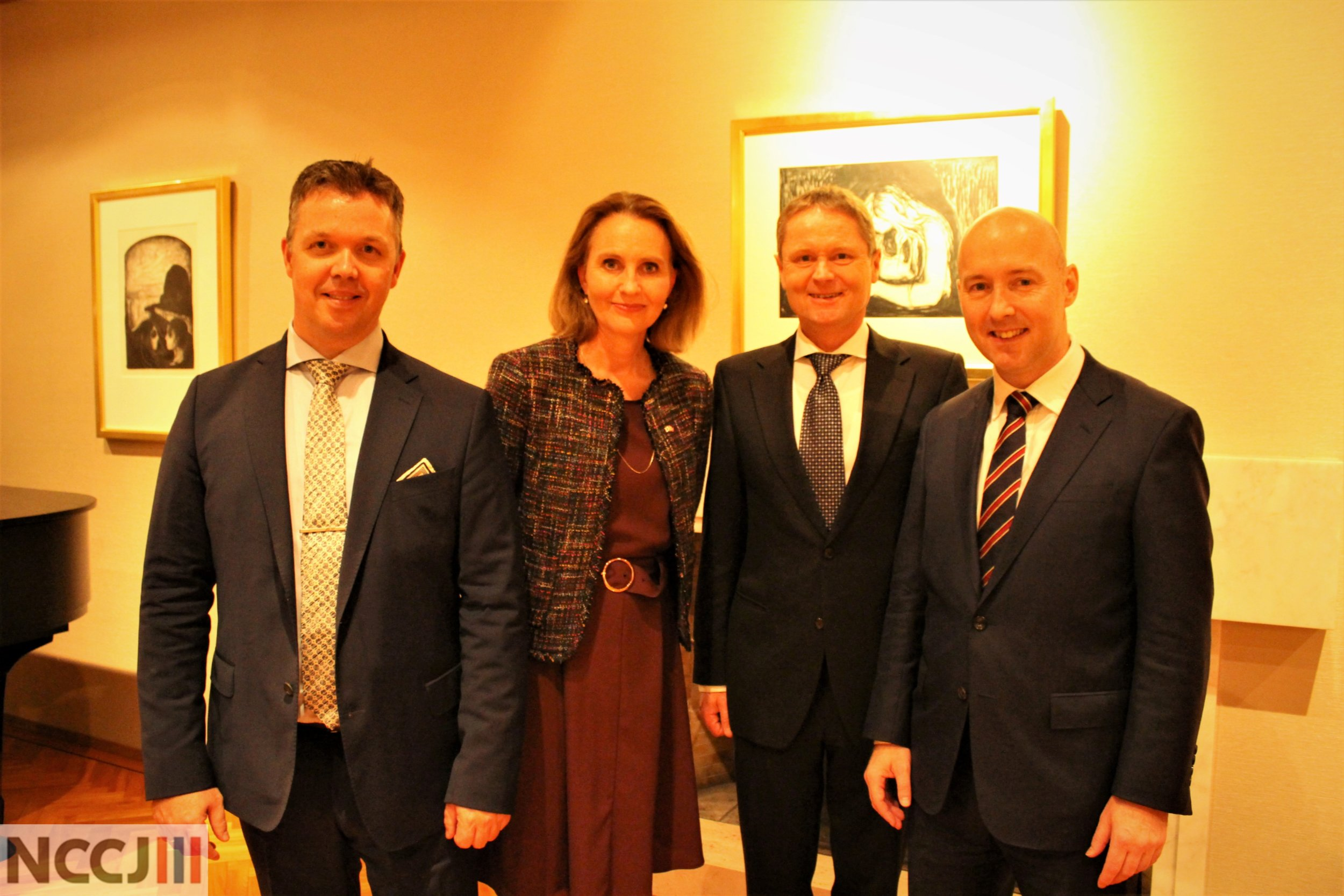From the left: Chief Operating Officer Alf-Christian Dybdahl, Ambassador Signe Brudeset, VP Director Sales Marketing and Services Tor Hartvig Bryne and President of Laerdal Medical Japan Svend Haakon Kristensen.