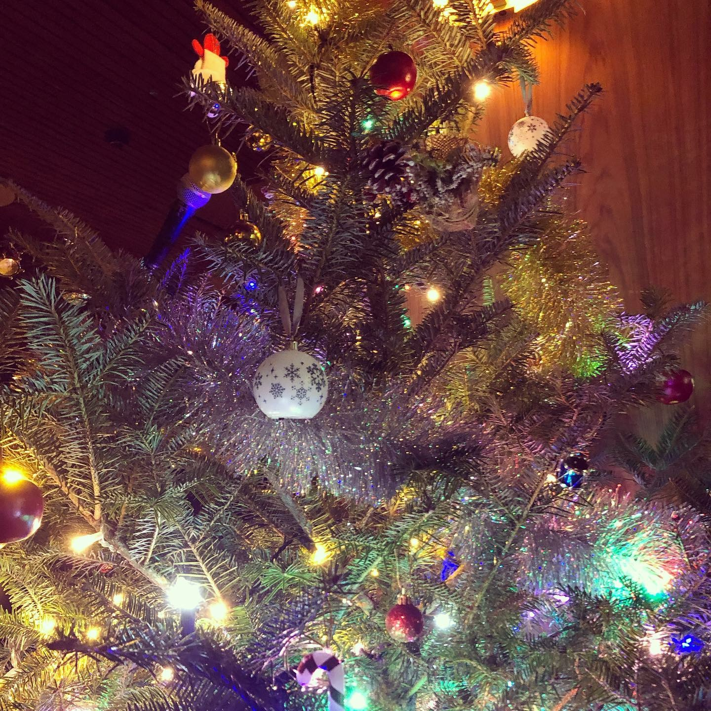 fuglen-asakusa-christmas-tree.jpg
