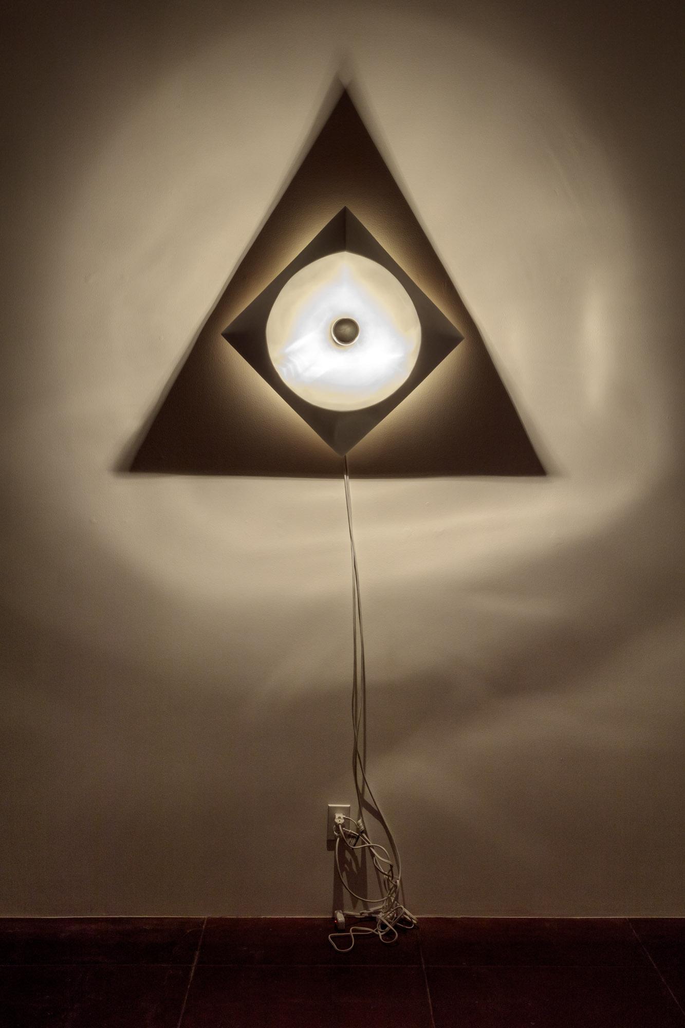 "Circle SquareTriangle:Object Size: 30"" x 30"" / Shadow Size: 54""x 47"""