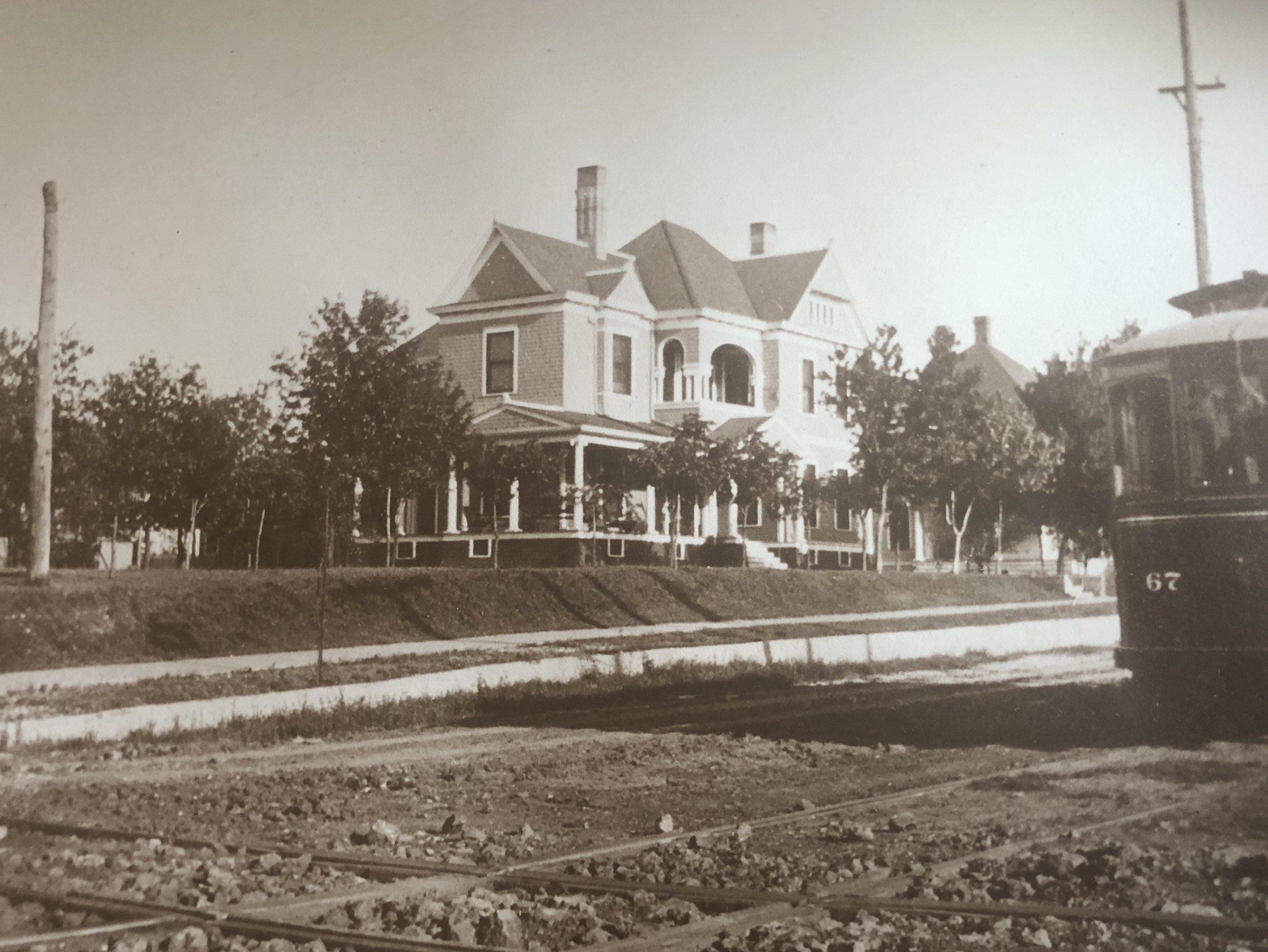 Brown-Tuck Mansion