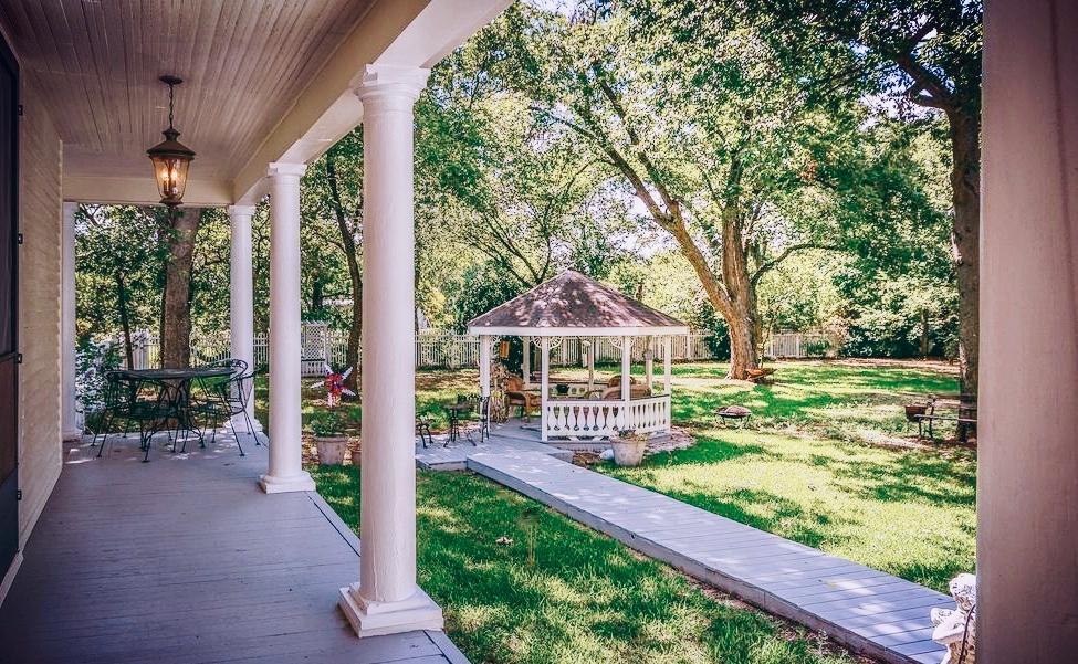 house+backyard3 (1).jpg