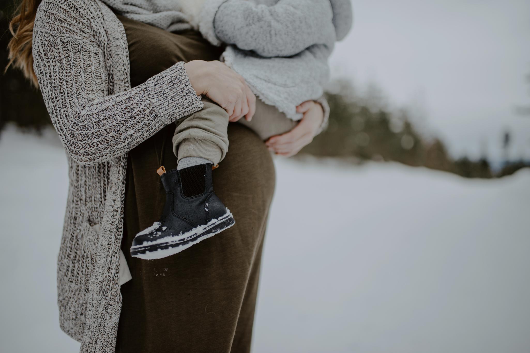 Familjefotografering i ett vitt Dalarna