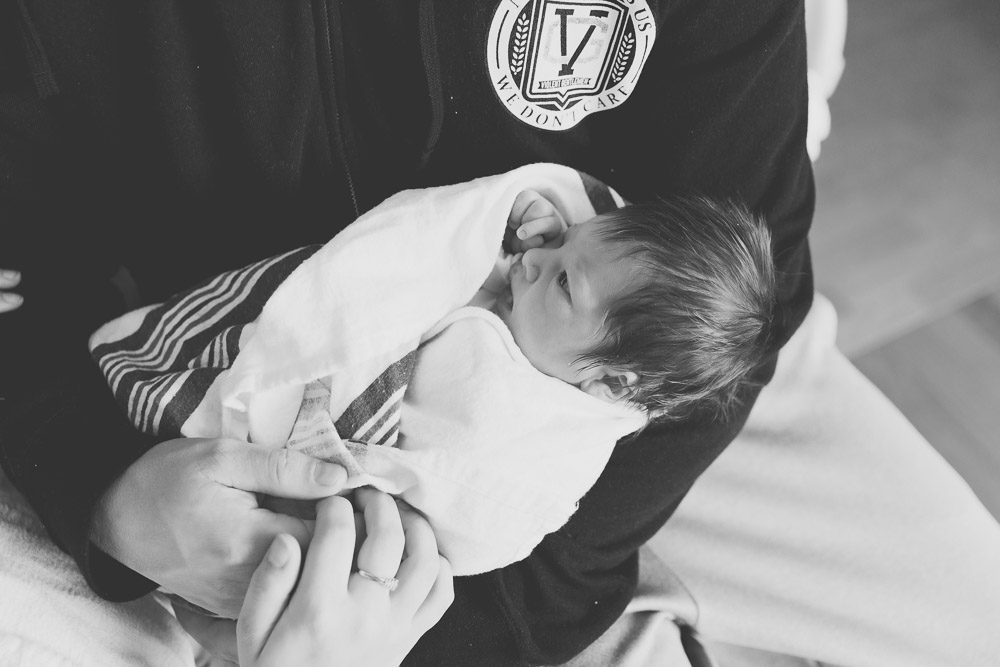 youngstown_warren_ohio_newborn_photographer_hospital_session_fresh_48-26.jpg