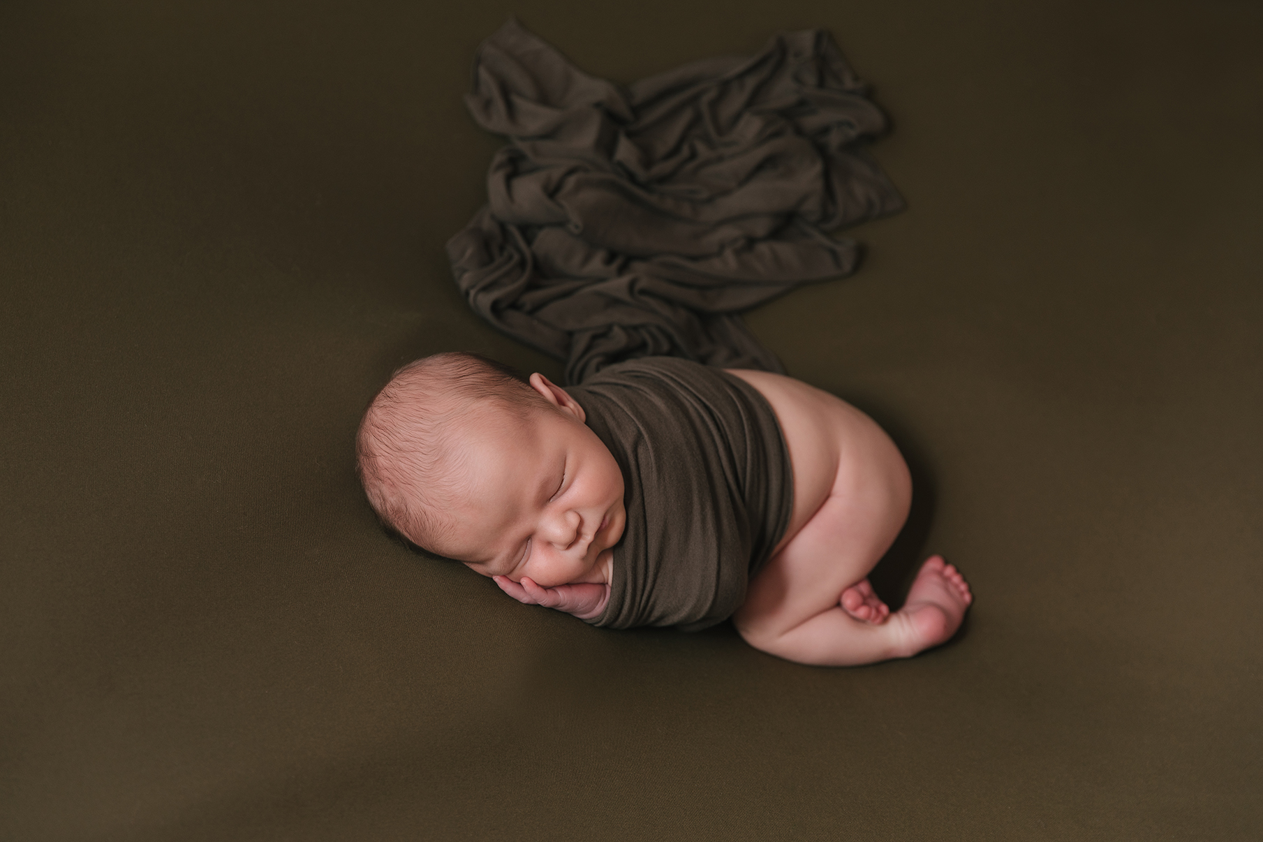 Kinsman_Ohio_Baby_Boy_Taco_Pose_Newborn_photography_by_Christie_Leigh_Photo_in_Cortland_Ohio-018.jpg