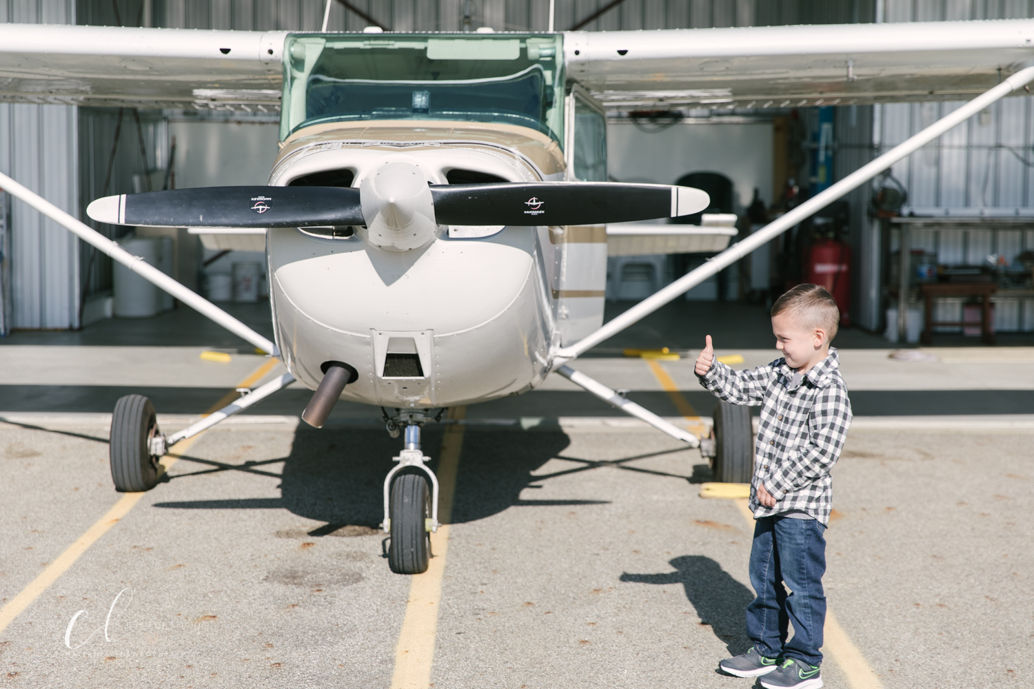 Aviation_Themed_Fourth_Birthday_at_Youngstown_Airport_Hanger_Vienna_OH_by_Child_and_Family_Photographer_Christie_Leigh_Photo-1.JPG