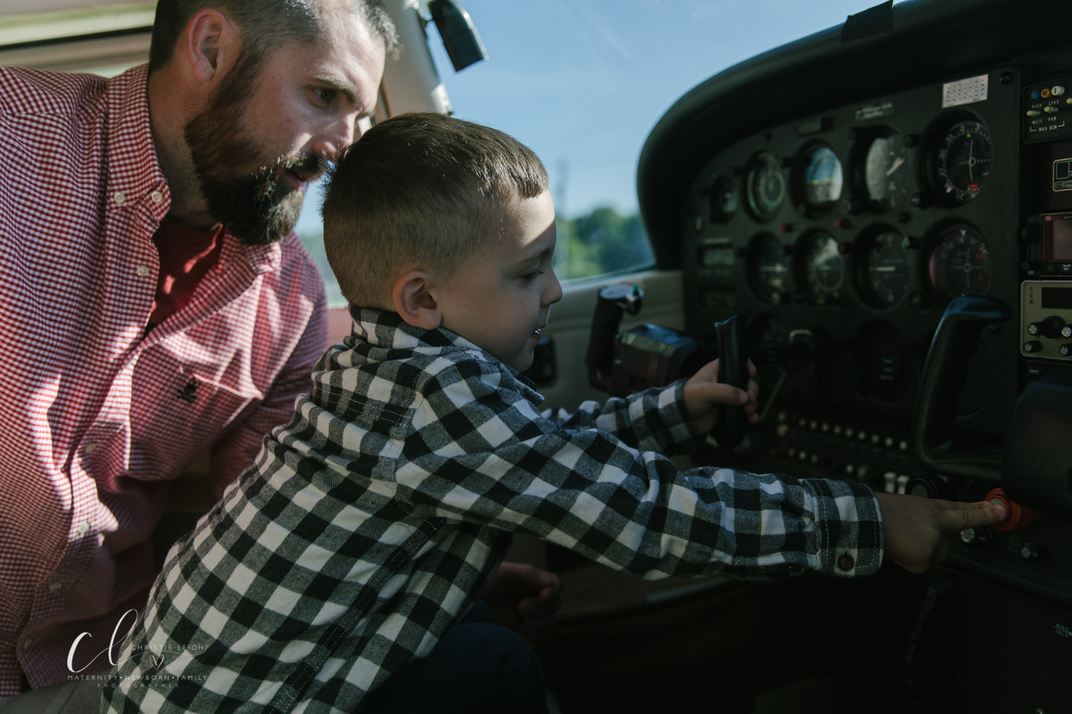 Aviation_Themed_Fourth_Birthday_at_Youngstown_Airport_Hanger_Vienna_OH_by_Child_and_Family_Photographer_Christie_Leigh_Photo-9.JPG