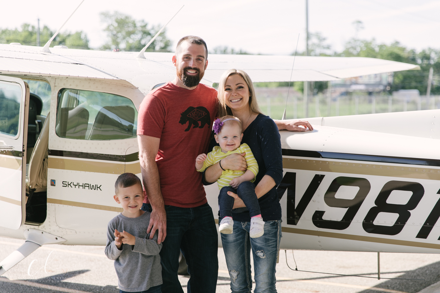 Aviation_Themed_Fourth_Birthday_at_Youngstown_Airport_Hanger_Vienna_OH_by_Child_and_Family_Photographer_Christie_Leigh_Photo-23.JPG