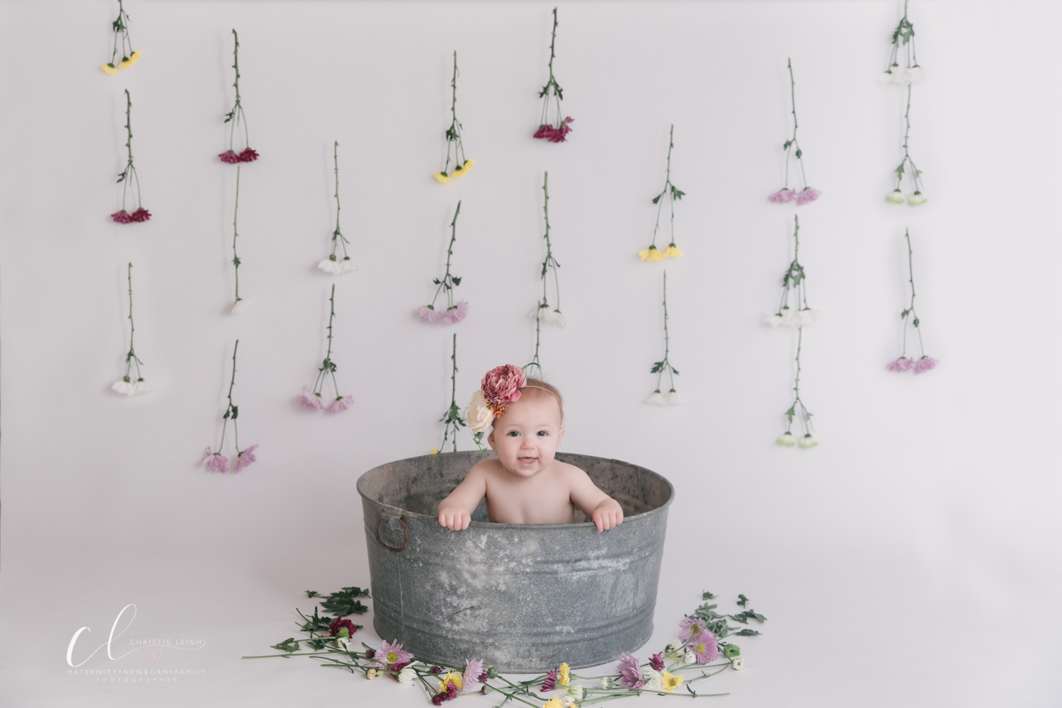 milk_bath_birthday_spash _session_little_girl_turns_one_floral_milk_bath_first_birthday_pictures_in_Poland_Ohio_by_child_and_family_photogrpaher_christie_leigh_photo-2.JPG