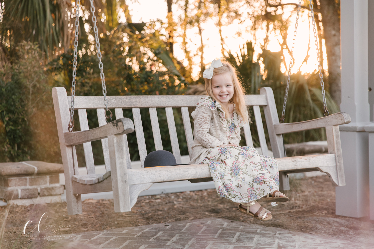 Outdoor_beach_birthday_ _session_little_girl_turns_four_romantic_beach_themed_fourth_birthday_pictures_in_Hilton_Head_SC_by_child_and_family_photogrpaher_christie_leigh_photo-2.JPG