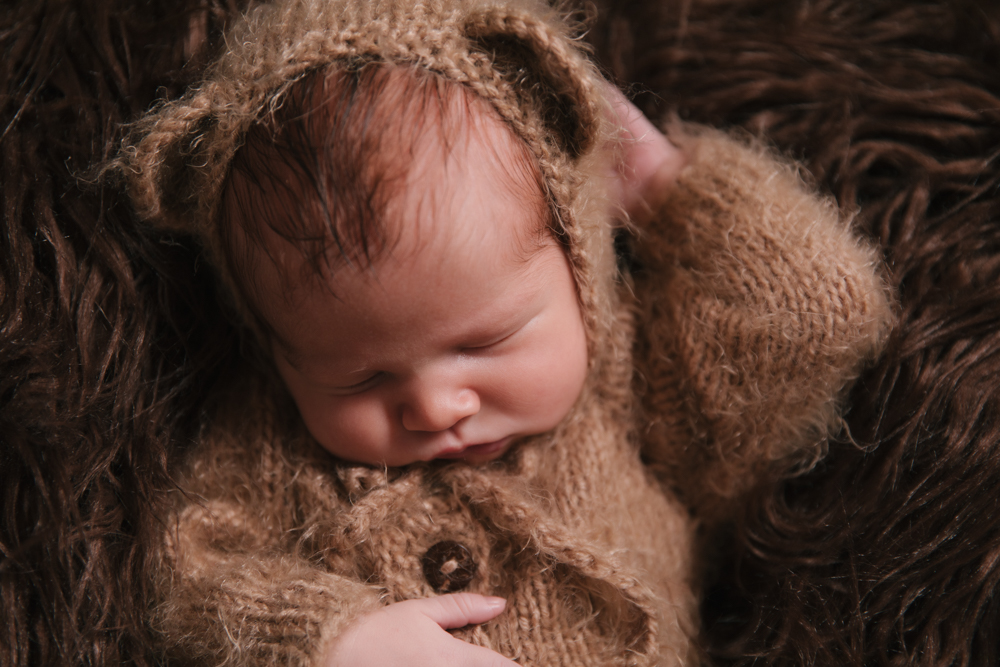 Newborn_Boy_Animal_Themed_Newborn_Session_with_Bear_Outfit_in_Howland_Ohio_with_Newborn_Photographer_Christie_Leigh_Photo_in_Farmdale_OH-001.JPG