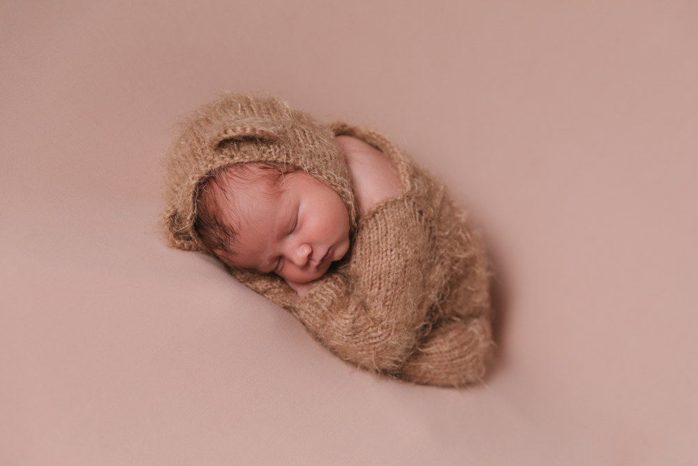 Newborn_Boy_Animal_Themed_Newborn_Session_with_Bear_Outfit_in_Howland_Ohio_with_Newborn_Photographer_Christie_Leigh_Photo_in_Farmdale_OH-003.JPG