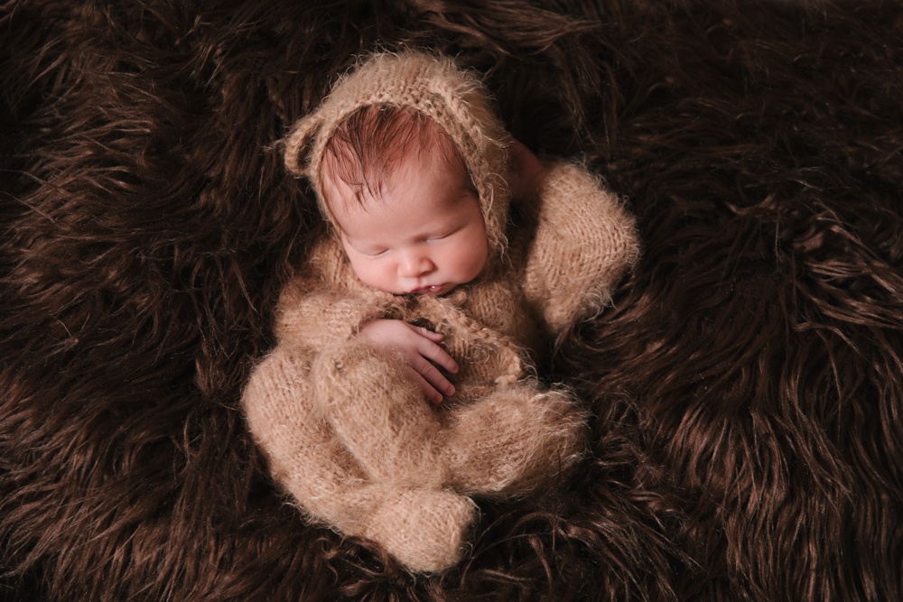 Newborn_Boy_Animal_Themed_Newborn_Session_with_Bear_Outfit_in_Howland_Ohio_with_Newborn_Photographer_Christie_Leigh_Photo_in_Farmdale_OH-005.JPG