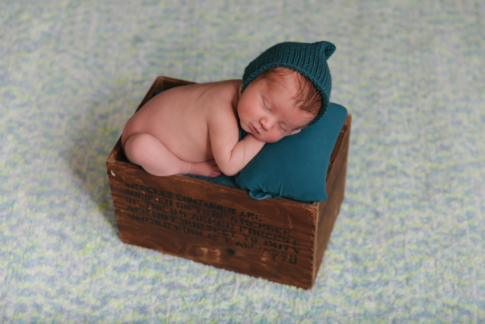 Newborn_Rustic_Boy_Theme_Newborn_Session_in_Howland_Ohio_with_Newborn_Photographer_Christie_Leigh_Photo_in_Farmdale_OH-009.JPG