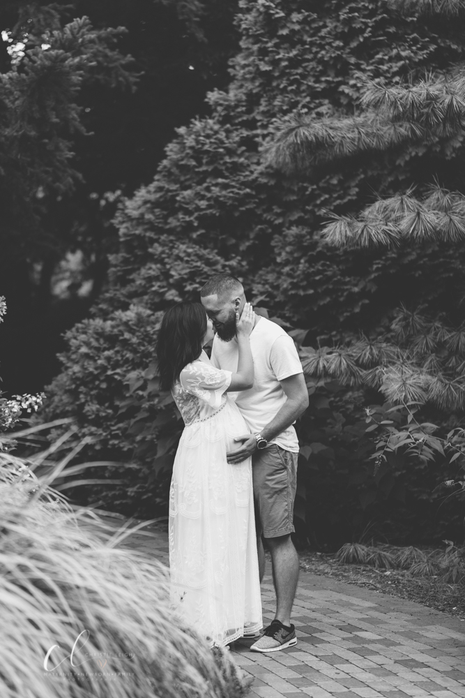 Romantic_Maternity_Session_in_MIllcreek_Metro_Park_Garden_Themed_Materntiy_Session_at_Fellows_Riverside_Gardens_in_Youngstown_Ohio_By_Maternity_and_Newborn_Photographer_Christie_Leigh_Photo-27.JPG