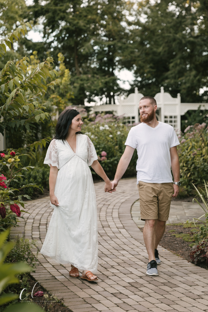 Romantic_Maternity_Session_in_MIllcreek_Metro_Park_Garden_Themed_Materntiy_Session_at_Fellows_Riverside_Gardens_in_Youngstown_Ohio_By_Maternity_and_Newborn_Photographer_Christie_Leigh_Photo-22.JPG
