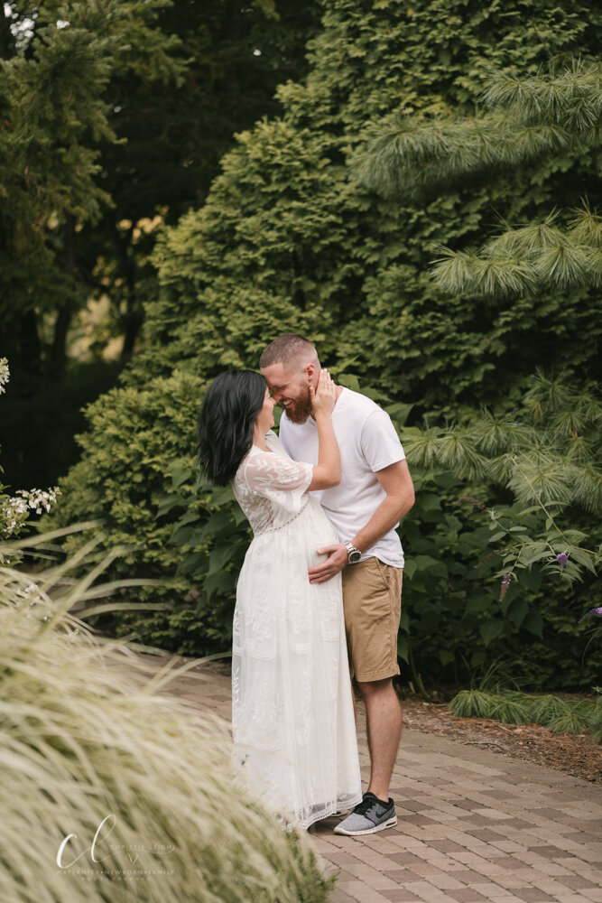 Romantic_Maternity_Session_in_MIllcreek_Metro_Park_Garden_Themed_Materntiy_Session_at_Fellows_Riverside_Gardens_in_Youngstown_Ohio_By_Maternity_and_Newborn_Photographer_Christie_Leigh_Photo-2.JPG