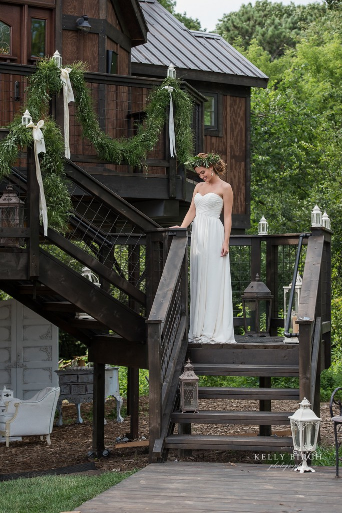 Historic Hope Glen Farm, Bride posting for portrait