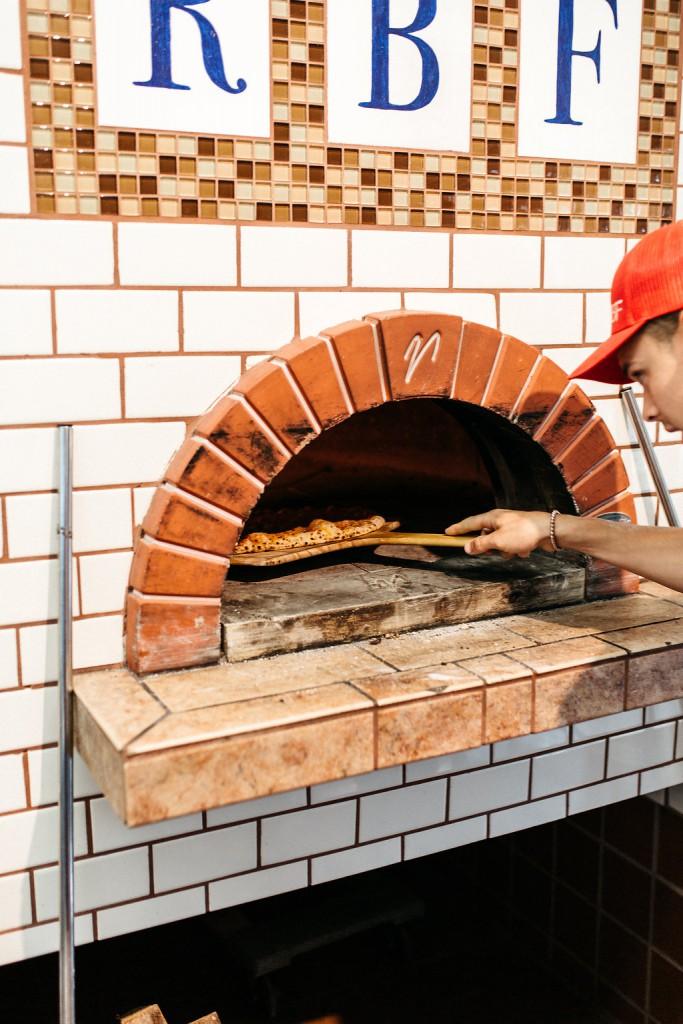 unique reception food- pizza oven