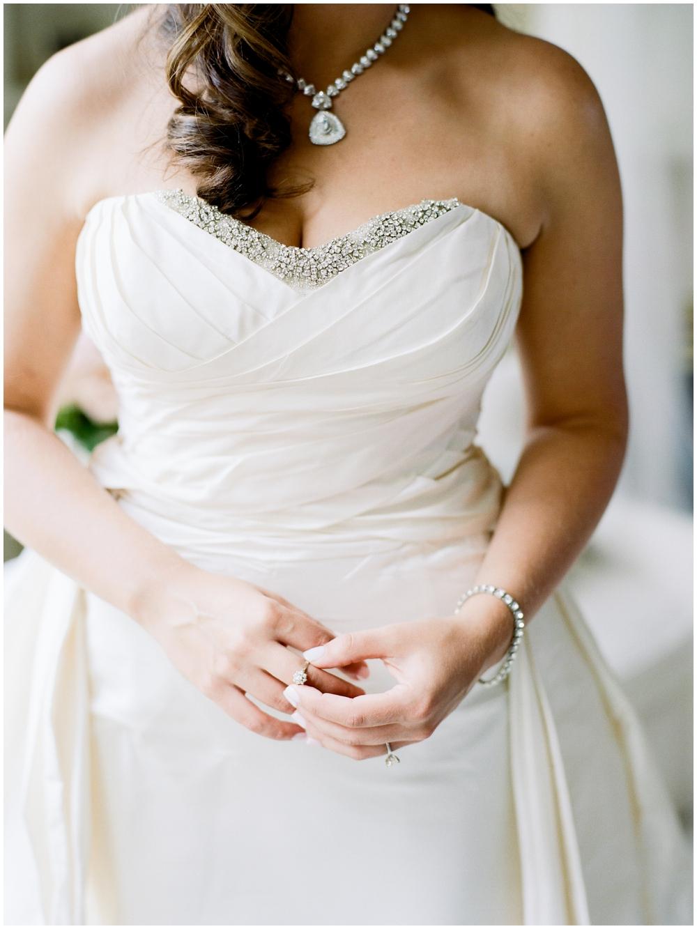 MN Weddings-White Bear Yacht Club_0012.jpg