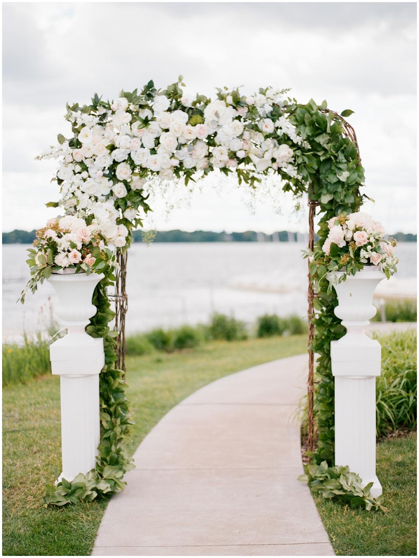 MN Weddings-White Bear Yacht Club_0035.jpg
