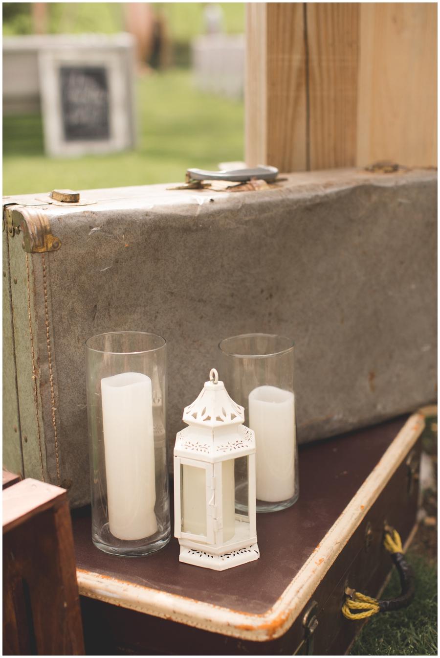 candles and lantern decor