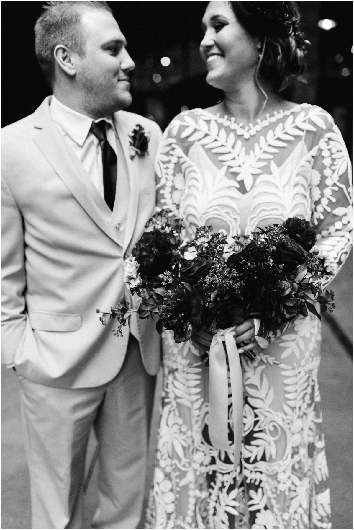 Bride and groom photo shoot before wedding