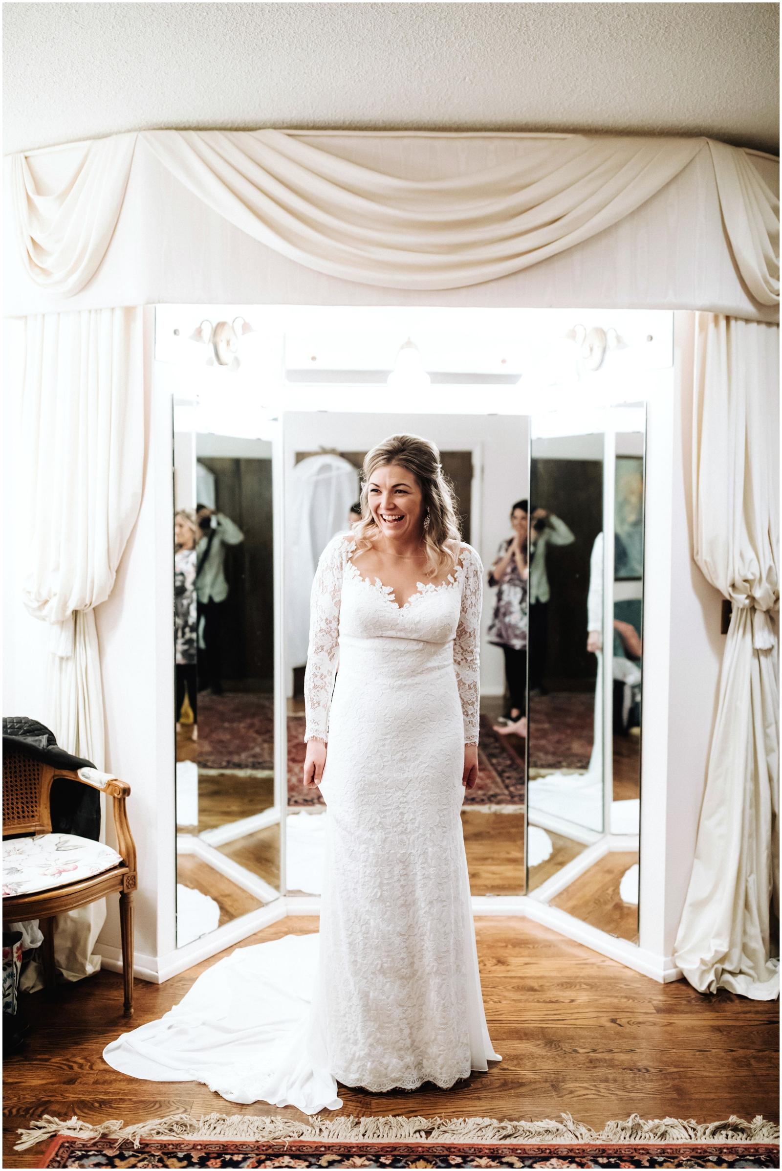 Bride getting ready for her wedding Minnesota Wedding Planner, Mpls Wedding Planner, Machine Shop MPLS, Mpls Wedding Venue
