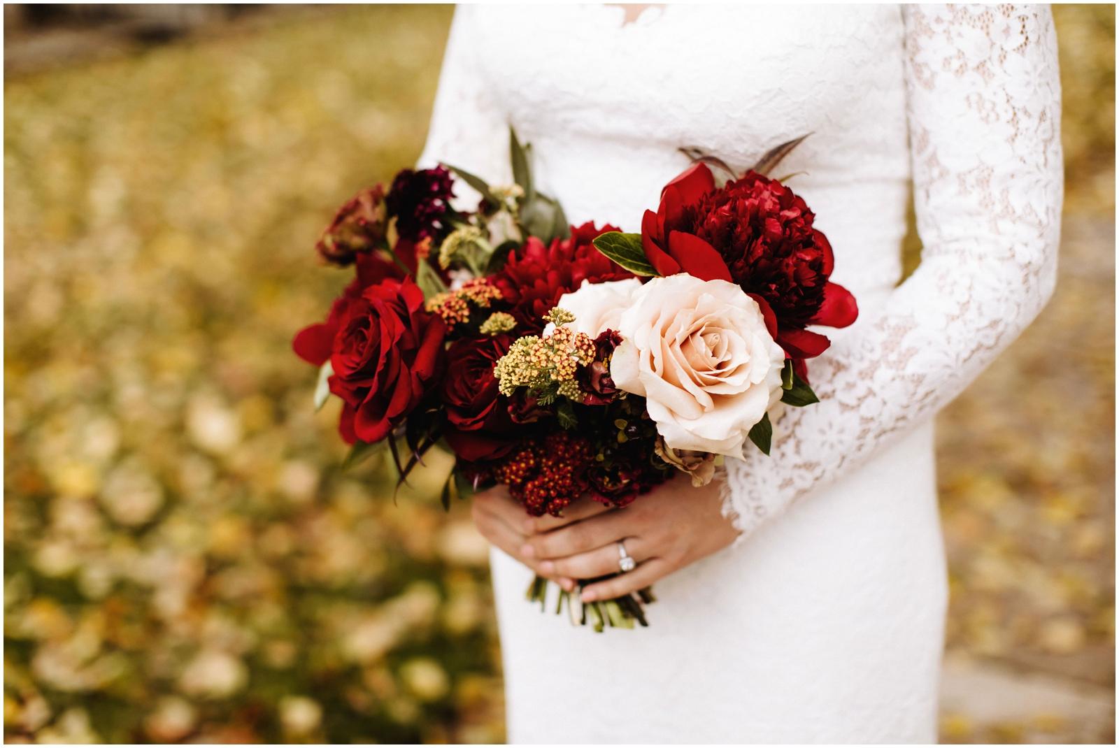Minnesota Wedding Planner, Mpls Wedding Planner, Machine Shop MPLS, Mpls Wedding Venue . Bride holding her bridal bouquet