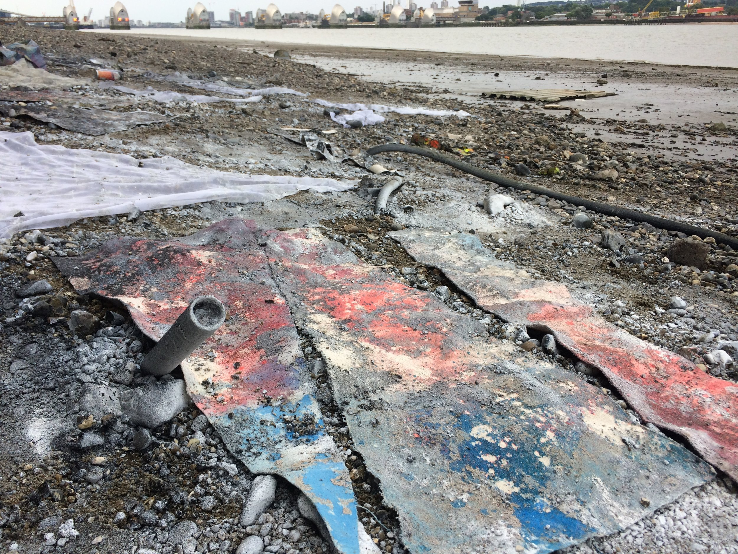 Low tide sludge and pebble painting.  North Greenwich, London 2018.