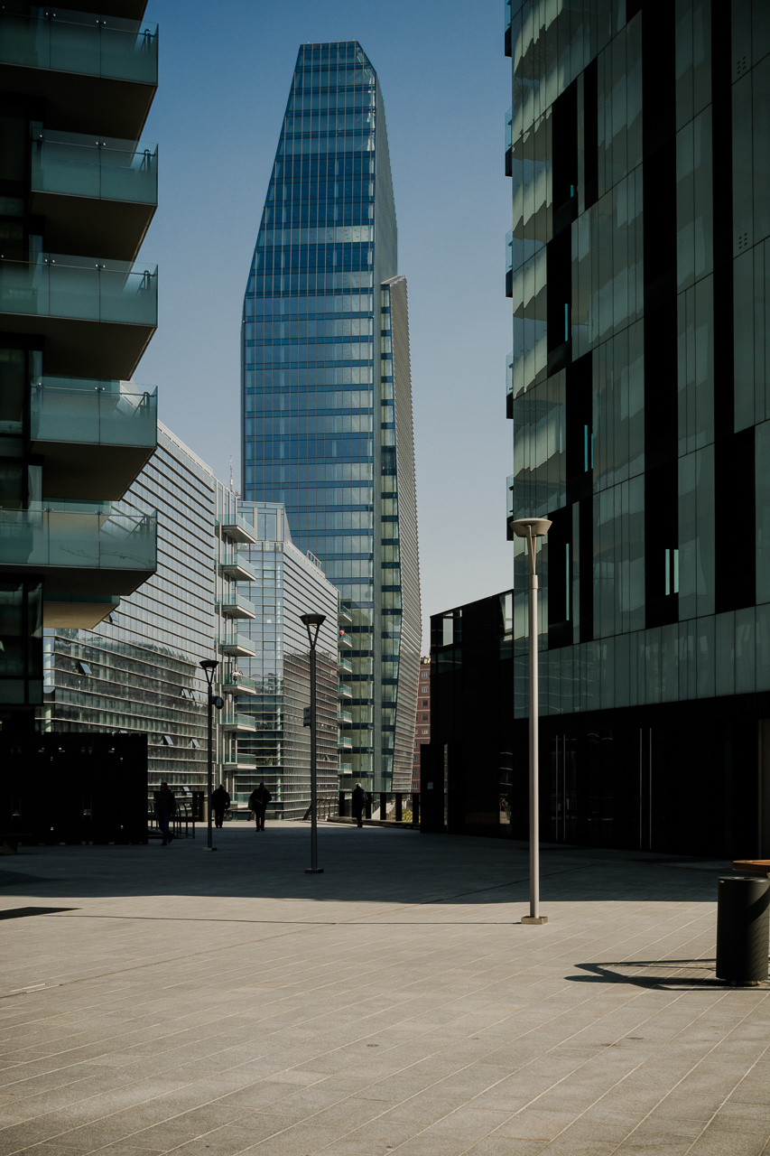 Kohn Pederson Fox + Arquitectonica + Caputo Partnership / Torre Diamante - Milano