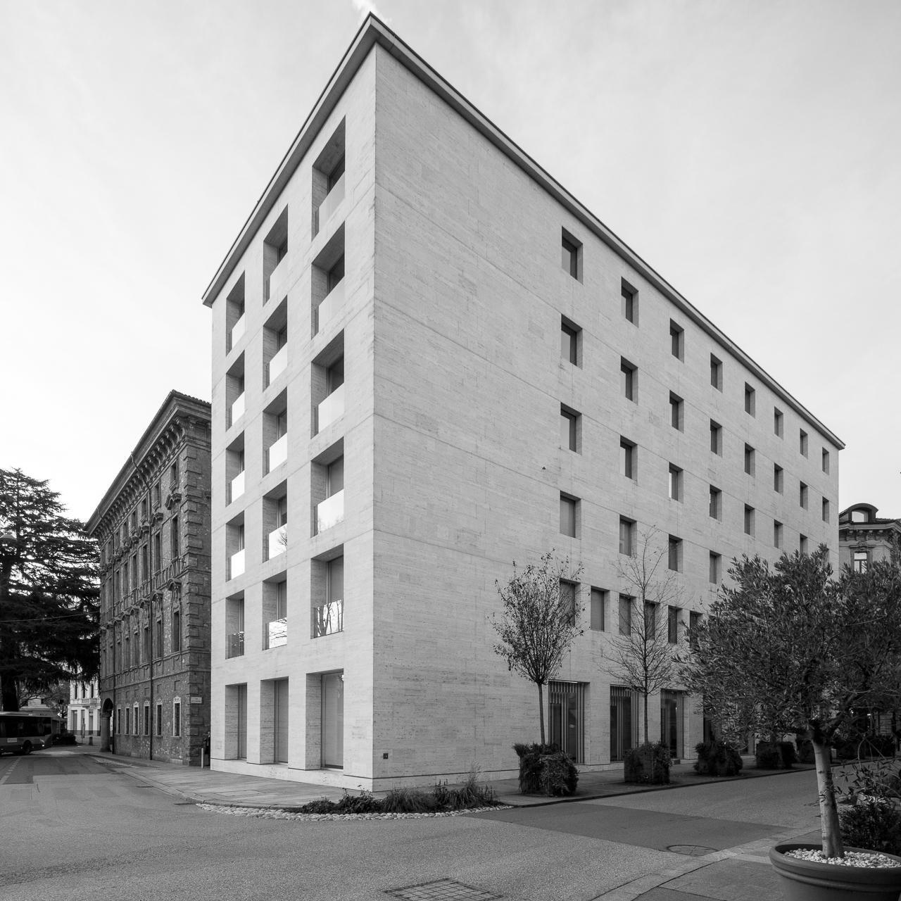Camponovo Architetti & Associati / Palazzo BSI - Lugano