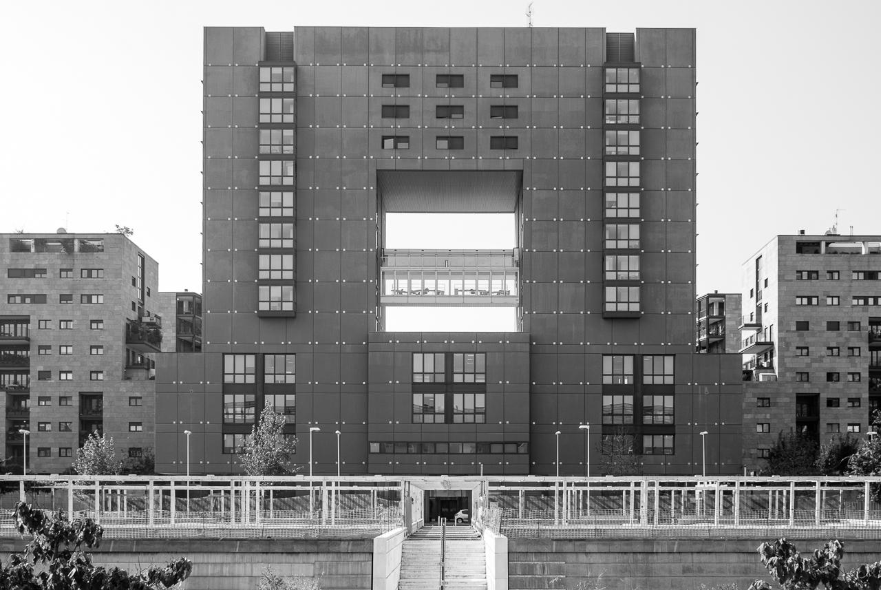 Gregotti Associati / Edificio ISU - Milano Bicocca