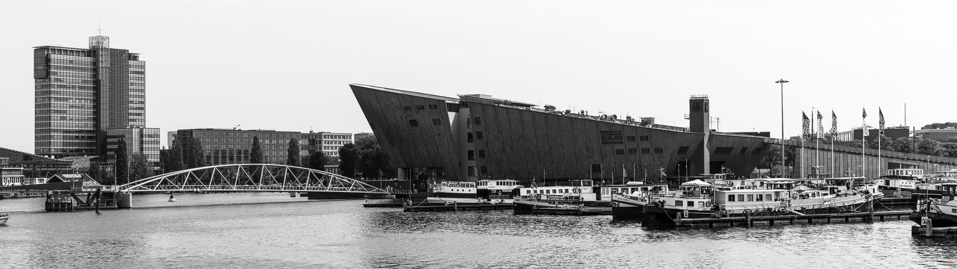 NEMO Science Museum / Renzo Piano Building Workshop (1997) - Amsterdam