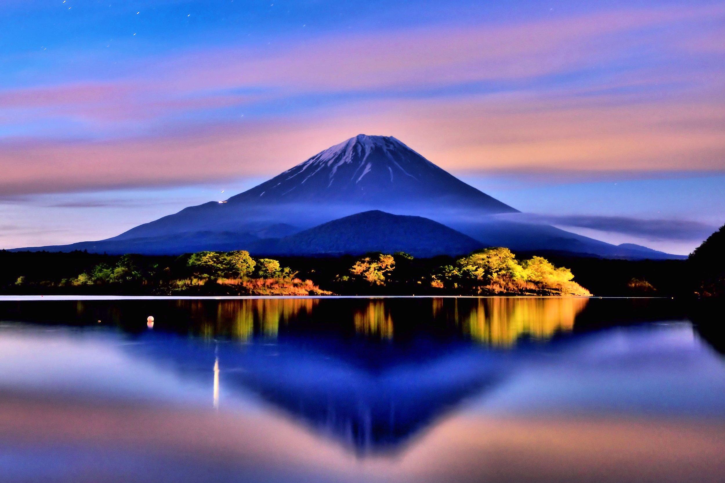 Japan Mt Fuji Night.jpg