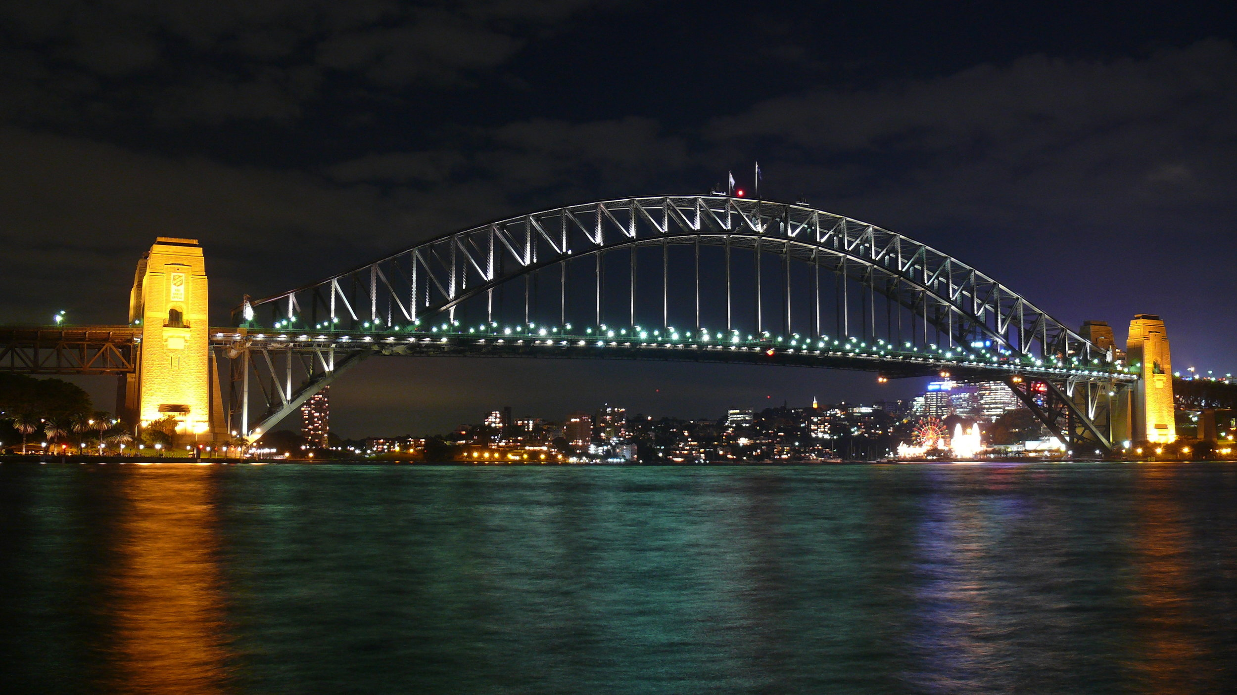 Sydney_Harbour_Bridge_at_Night_2.jpg