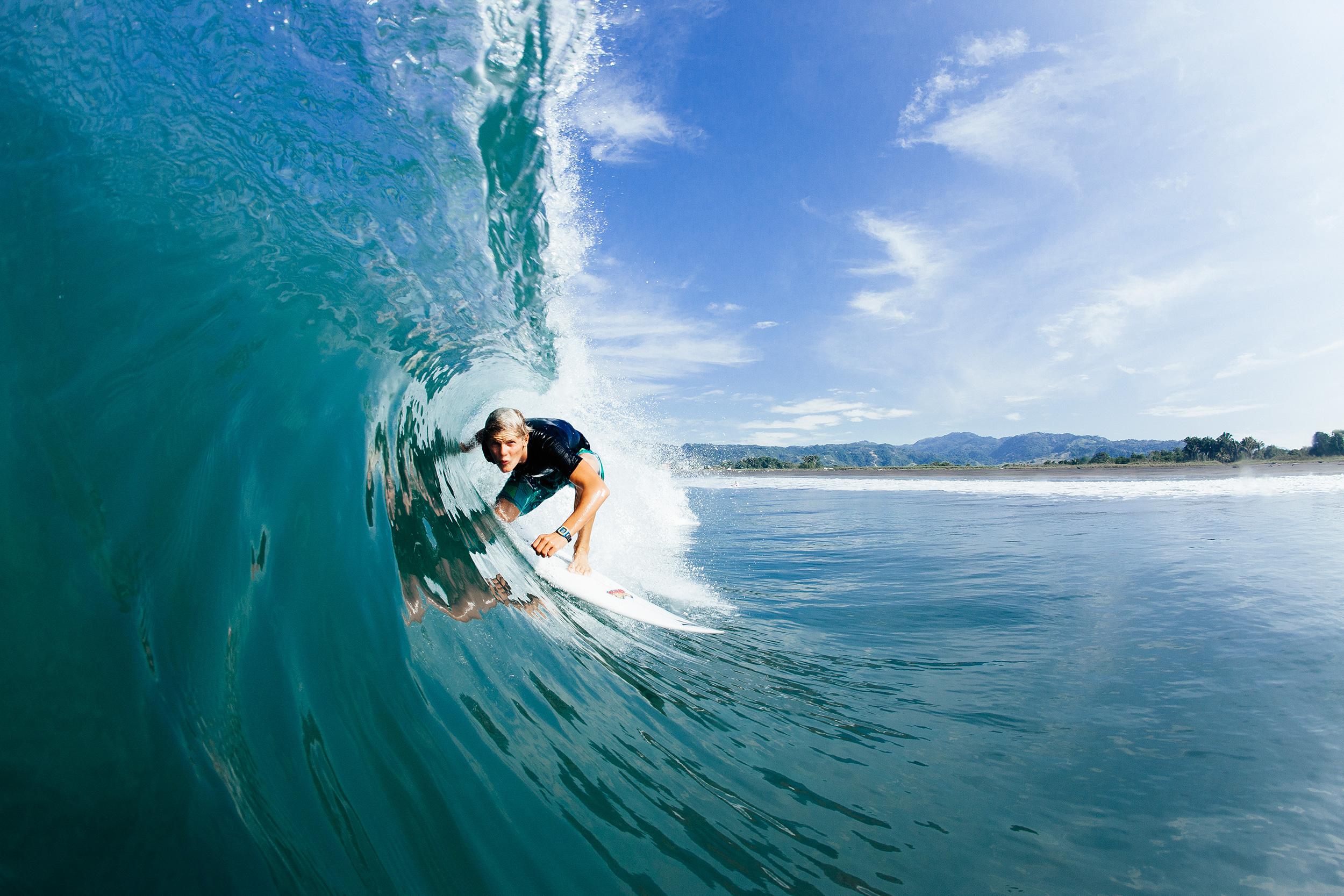 548_surfercostarica.jpg