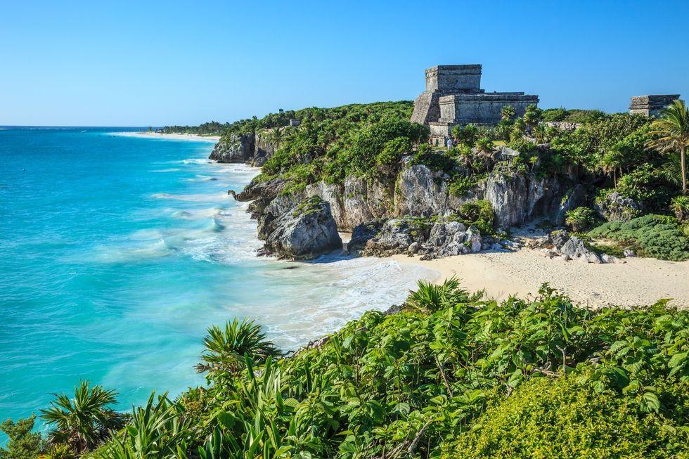 10 Honeymoon destinations that won't make you broke