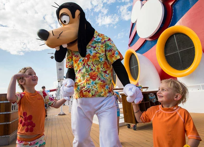 What's Included  - The sit-down restaurants, buffets and room service on all Disney Cruise Line ships is included in the price. Unlimited soft-serve ice cream and treats are also available around the ship, as well as complimentary fountain soda, tea and coffee in restaurants and on the main deck.